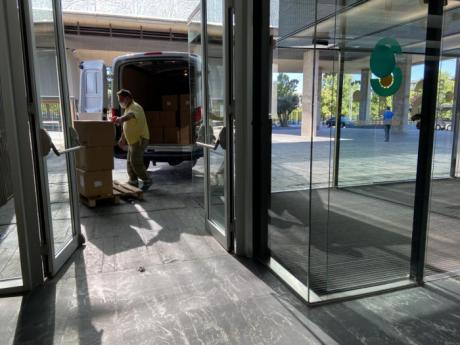 Sanidad ha distribuido esta semana cerca de 180.000 artículos de protección en los centros sanitarios