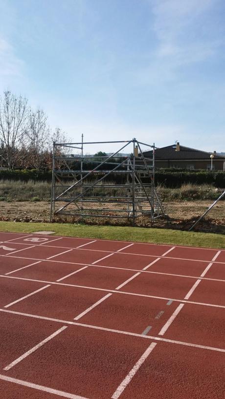 La delegación de Jueces de 'Atletismo de Cuenca' presenta en los presupuestos participativos el proyecto de construcción de una cabina de foto finish para la pista de atletismo