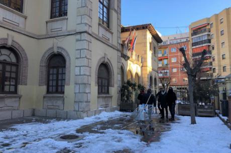 El Ayuntamiento enciende las calderas de los colegios y revisa accesos y cubiertas para preparar la vuelta al cole
