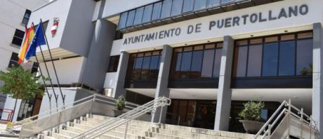 Policías de la UDEF registran el Ayuntamiento de Puertollano