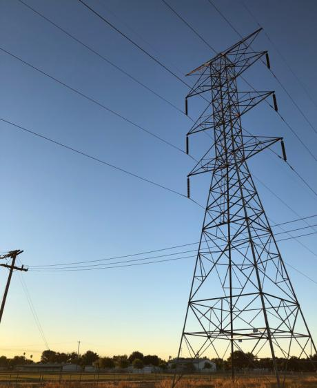 Cuenca en Marcha propone crear una empresa pública de energía que permita bajar el precio de la luz