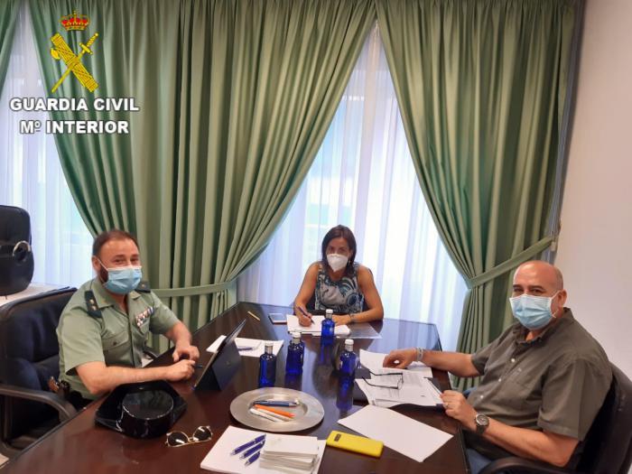 Reunión entre el Colegio de Farmacéuticos y la Guardia Civil