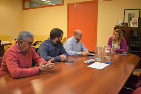 La Junta trabajará con el Ayuntamiento de Torrubia del Campo en la puesta en marcha de la vivienda de mayores