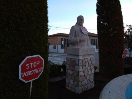 """Stop Macrogranjas"" inunda Mota del Cuervo"