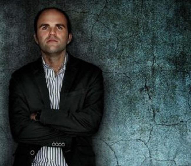 Sergio Vera presenta este jueves en el IES Pedro Mercedes su primera novela