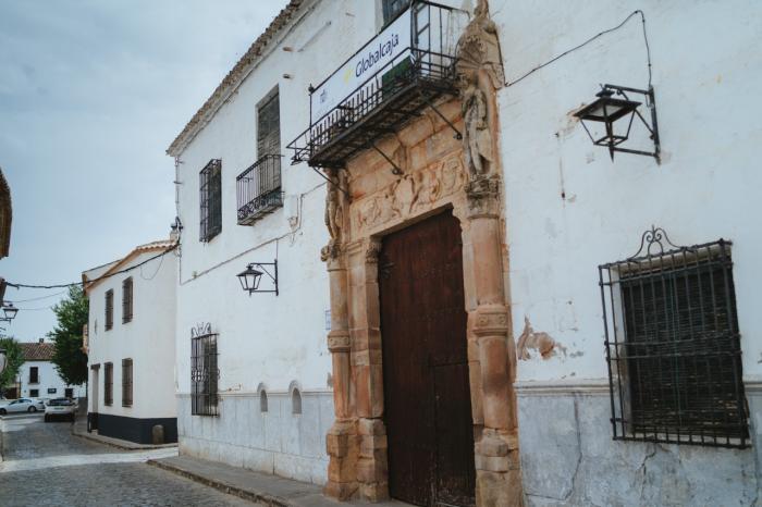 Globalcaja escenifica su apoyo a la Cultura renovando su patrocinio al Festival de Almagro