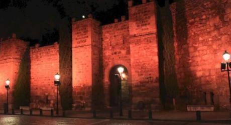 Toledo ilumina este lunes de color rojo varios espacios monumentales con motivo del Día Mundial del Donante de Sangre