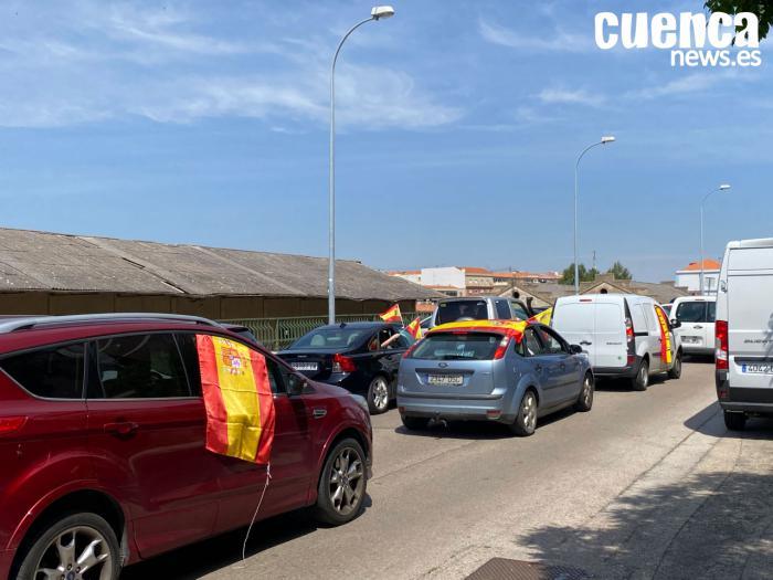 Más de 300 vehículos toman Cuenca en la caravana de Vox contra el Gobierno de Sánchez