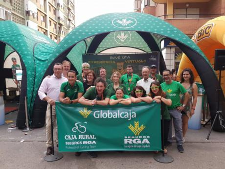 Vive de cerca La Vuelta a España en la fan zone solidaria de Globalcaja y Seguros RGA